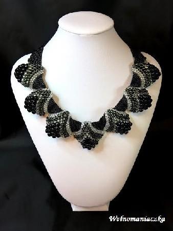 Czarno-srebrny naszyjnik z koralików Toho
