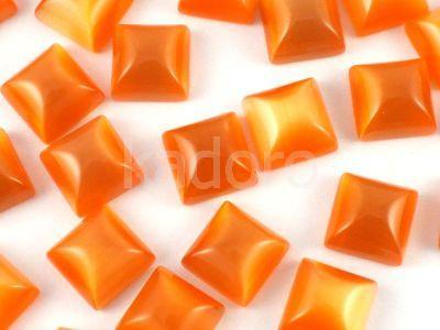 Kocie oko pomarańczowe kaboszon poduszka 8x8 mm - 1 sztuka
