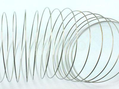 Stalowy drut pamięciowy na rękę - 20 żeberek