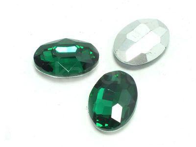 Szklany kamień fasetowany owal 18x13mm Emerald F - 1 sztuka