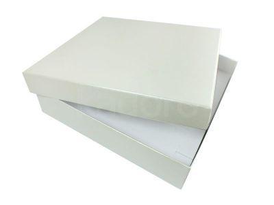 Ozdobne pudełko na komplet perłowe