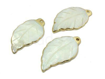 Liść z masy perłowej w metalowym okuciu - 1 sztuka