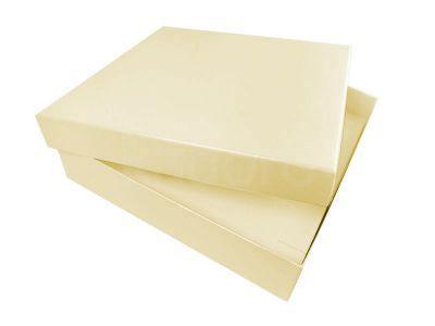 Ozdobne pudełko na komplet kremowe perłowe