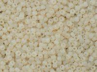 TOHO Round 11o-147F Ceylon Frosted Lt Ivory - 10 g