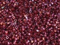 TOHO Cube 1.5mm-332 Gold-Lustered Raspberry - 5 g