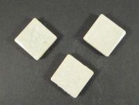 Kaboszon ceramiczny kwadrat cracle biały zielonkawy 18x18 mm - 1 sztuka
