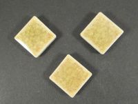 Kaboszon ceramiczny kwadrat cracle oliwkowy 18x18 mm - 1 sztuka