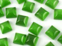 Kocie oko zielone kaboszon poduszka 8x8 mm - 1 sztuka