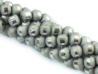 Szklane kulki ze szlifem srebrne gwiezdny pył 8 mm - sznur